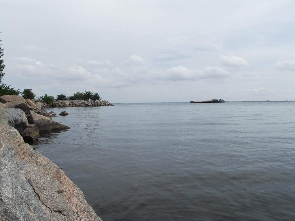 берега Днепра в Никополе