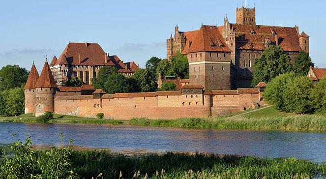 Замок Мальборк в Варшаве
