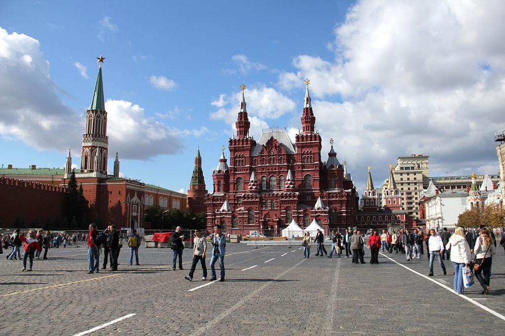 фото московского кремля и красной площади полезны для студентов
