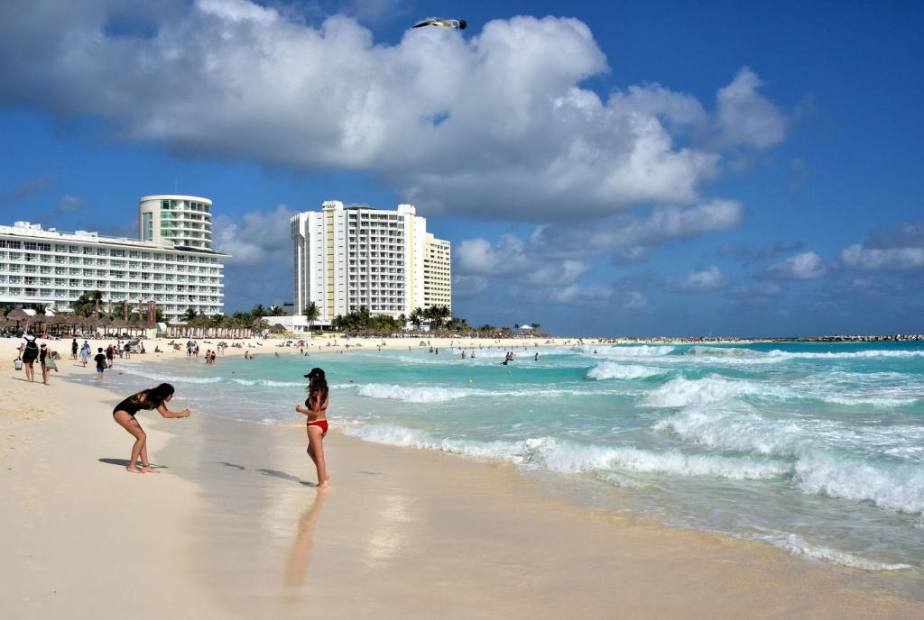 Пляж Гравиота-Асуль, Канкун