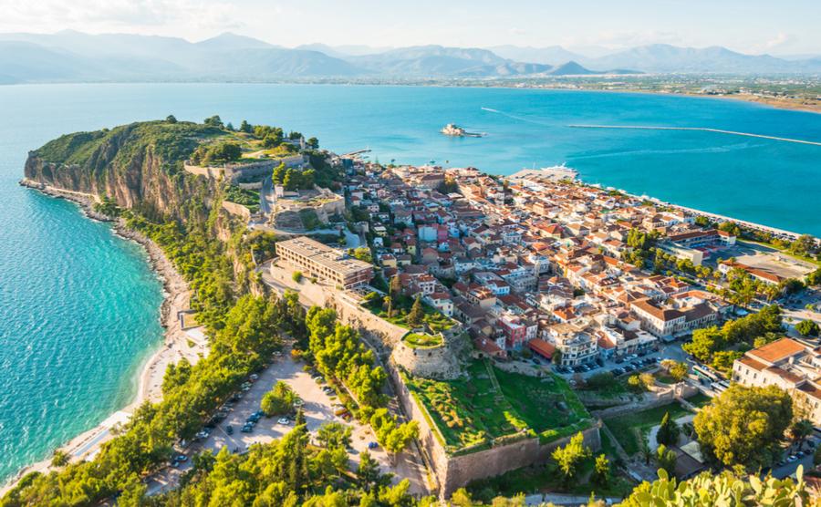 Древний Пелопоннес в Греции: лучшие пляжи и достопримечательности острова